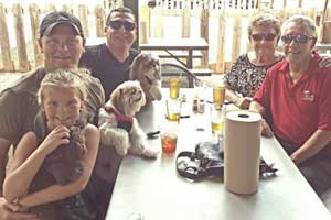 pet friendly restaurant in san antonio, texas; dog friendly restaurant in san antonio